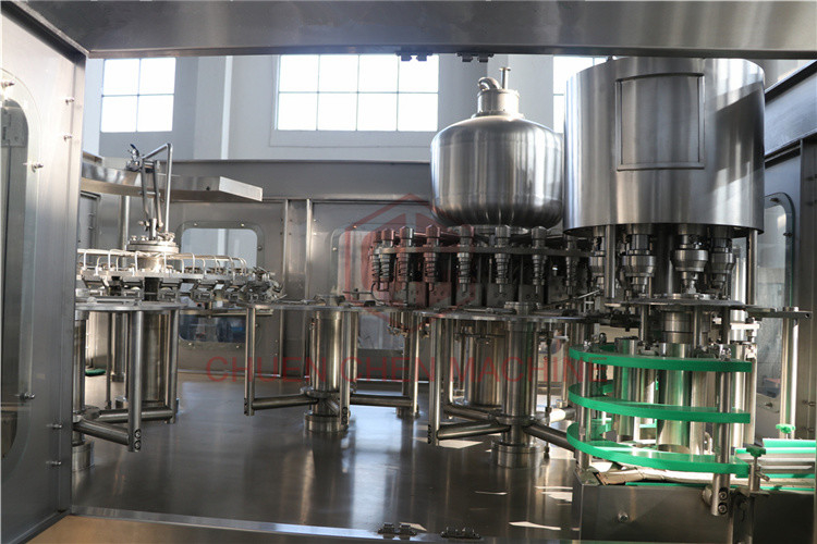 Soda Automatic Rinsing Filling And Capping Machine 330ml-1500ml Bottle